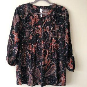 EUC 3/4 sleeve paisley printed blouse